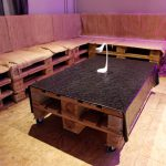 Sitzmöglichkeit Bühne